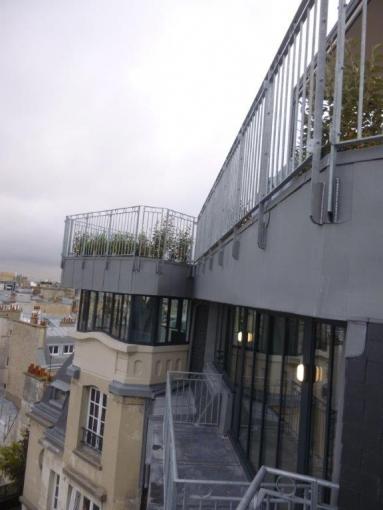 Appartement, rue Copernic à Paris (75)