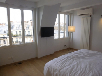 Appartement, rue Copernic à Paris (75)