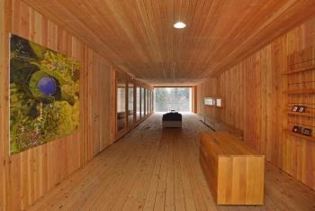 Bâtiment d'accueil du lac volcanique du Bouchet (43)