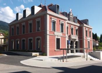 Mairie & commerces à Saint-Martin-d'Uriage (38)